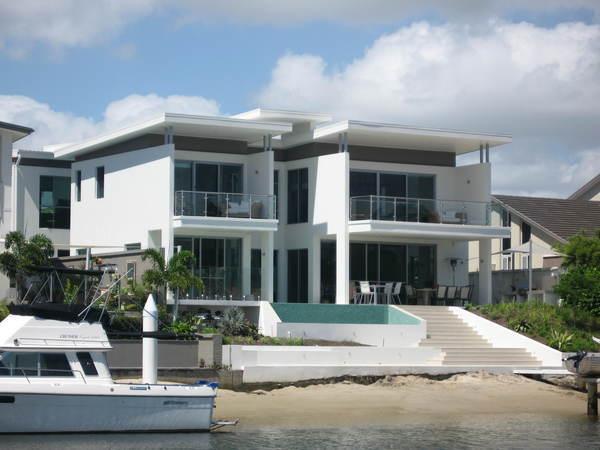 Prestige property gold coast builders unique homes for Prestige home builders