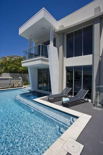 sloping-block-home-designs-unique